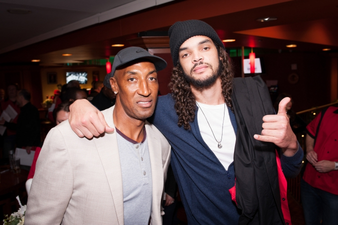 scottie pippen, joakim noah, 10Pin bowling lounge, bowling with the bulls