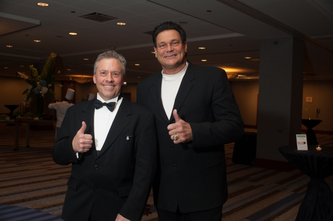 Chicago Bears Dan Hampton makes a celebrity appearance a black tie fundraising event, event photography by fab photo.