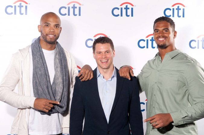 taj-gibson-corey-wootton-bulls-bears-chicago-celebrity-step-repeat-citi-fabphotochicago