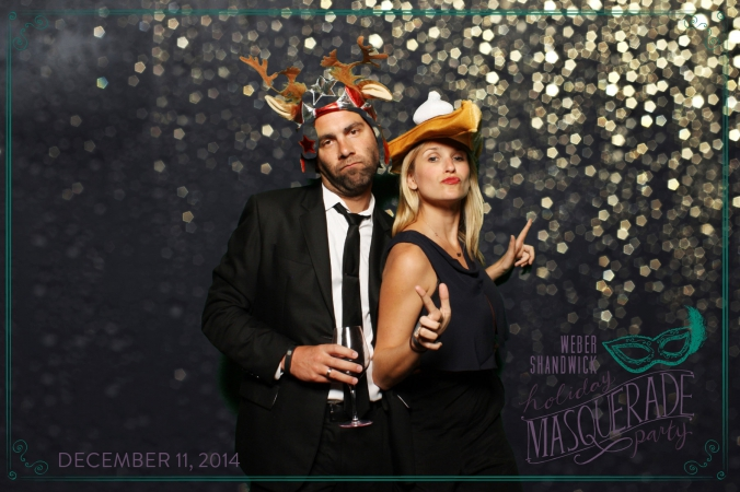 couple makes funny faces, green screen photobooth, weber shandwick holiday party, nellcote restaurant