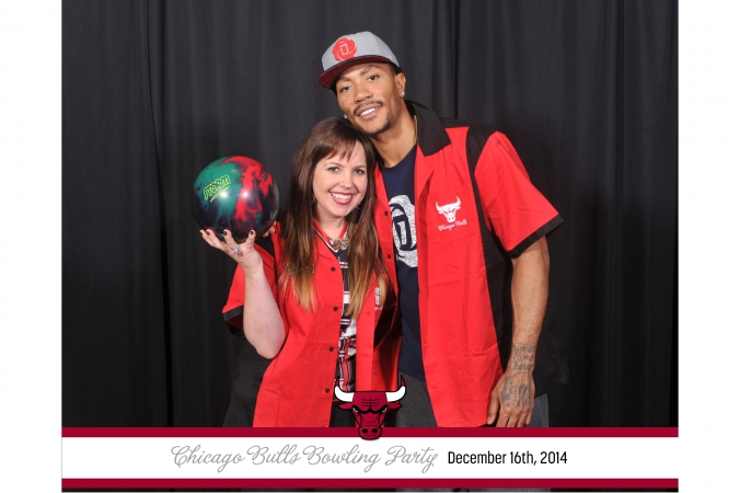 Derek Rose poses at the celebrity step and repeat photo activity with onsite 8x10 photo prints