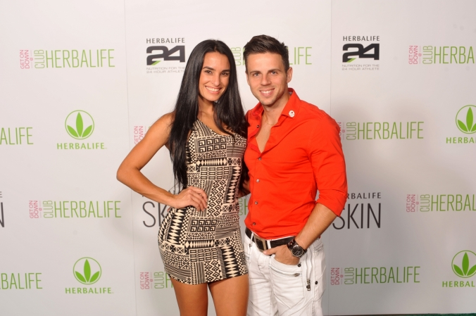posing like super models, Chicago Herbalife step and repeat portraits at Union Station party