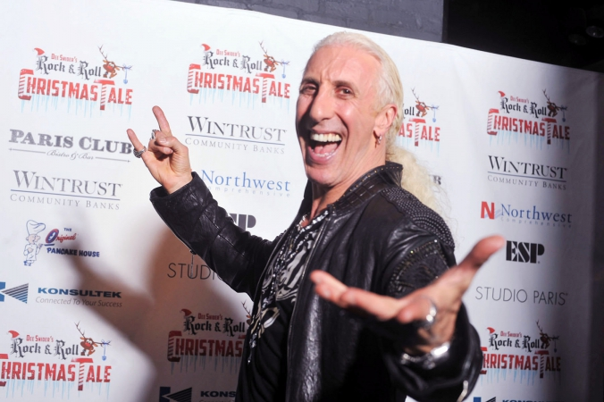 dee snider makes celebrity appearance on the step and repeat for Rock and Roll Christmas Tale, studio paris, chicago