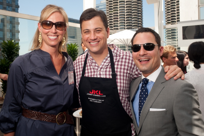 jimmy kimmel live, jimmy takes a break from grilling hamburgers on the wit rooftop to pose with fans