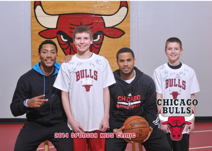 nba chicago bulls derek rose poses with young fans for 2014 sponsor kids clinic, 5x7 photos printed instantly onsite