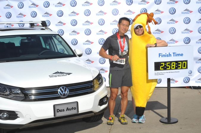 banana suit poses onsite photo printing photo activity at finish line chicago marathon with vw pace car sponsored by bank of america