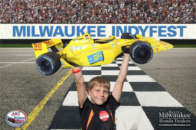 green screen photo activity at milwaukee indyfest, with social media sharing and onsite photo printing